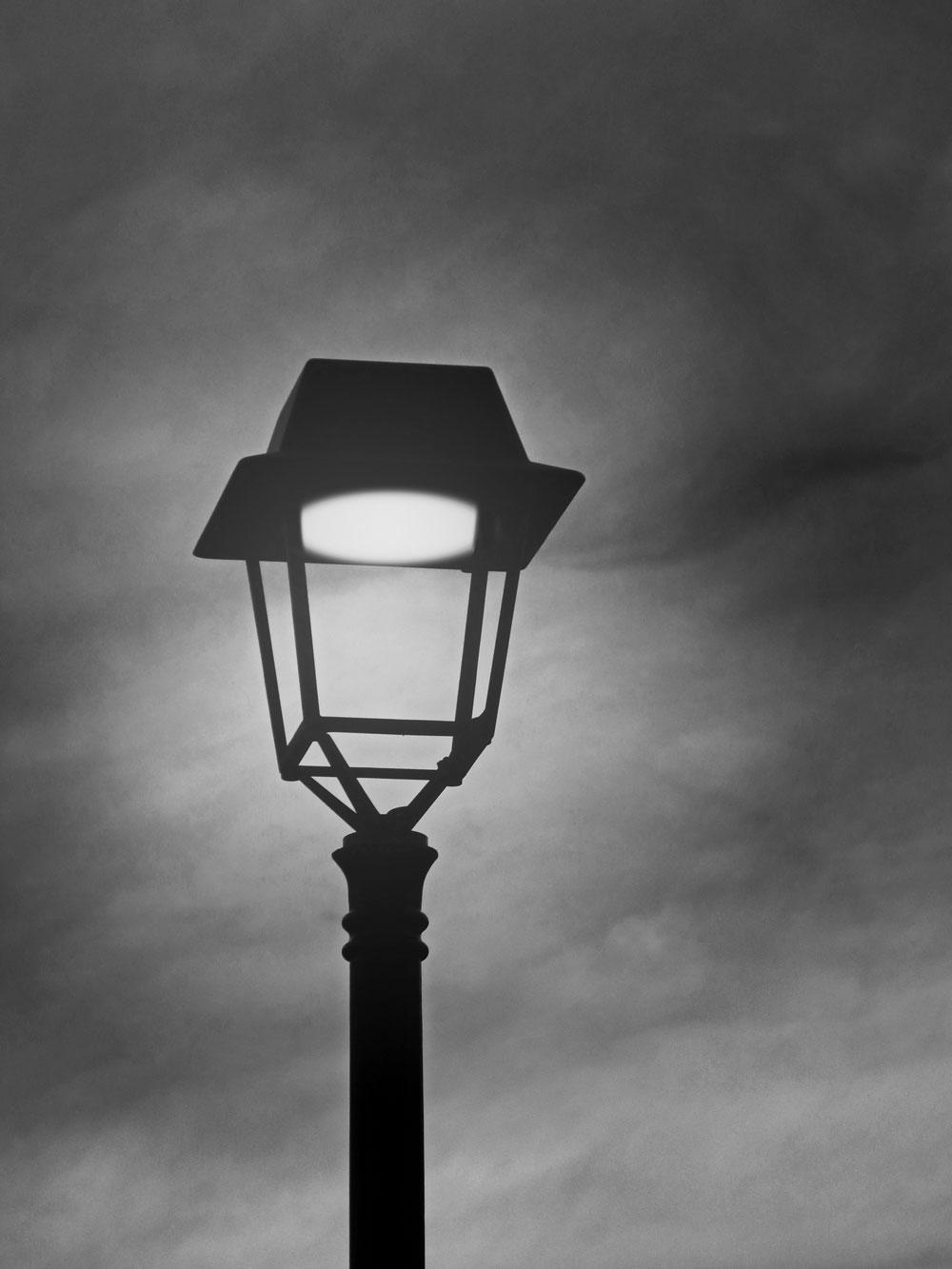 street-lamp-3235028_1920